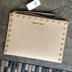 MICHAEL KORS JET SET TRAVEL XL CLUTCH WRISTLET NWT